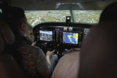 Cockpit mit Pilot und Gast